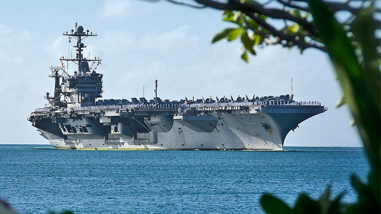 Drones furtivos a cubierta: EE.UU. lucha por mantener en auge su flota de portaaviones