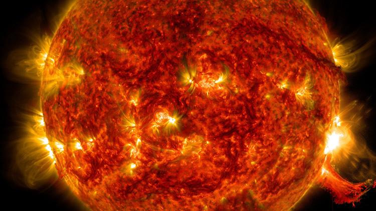 ¿Con qué frecuencia se producen gigantes erupciones solares?