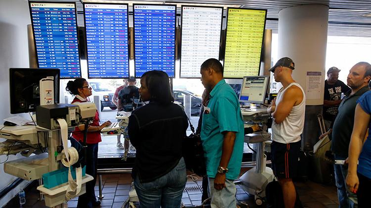 Fallo informático retrasa decenas de vuelos en la costa este de EE.UU.
