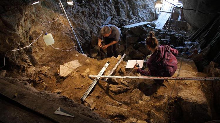 Hallan un cráneo humano de 50.000 años en Siberia: ¿Será o no será un eslabón perdido?