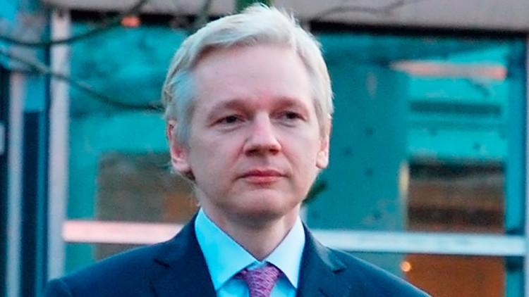 """3 años de aislamiento: """"¿Quién le pagará a Assange estos días de confinamiento ilegal e injusto?"""""""