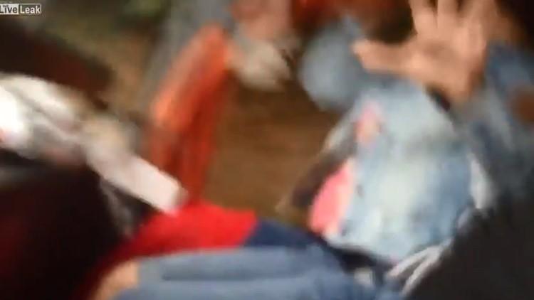 Dramático video desde la cabina de un autobús: El conductor cae dormido y pierde el control