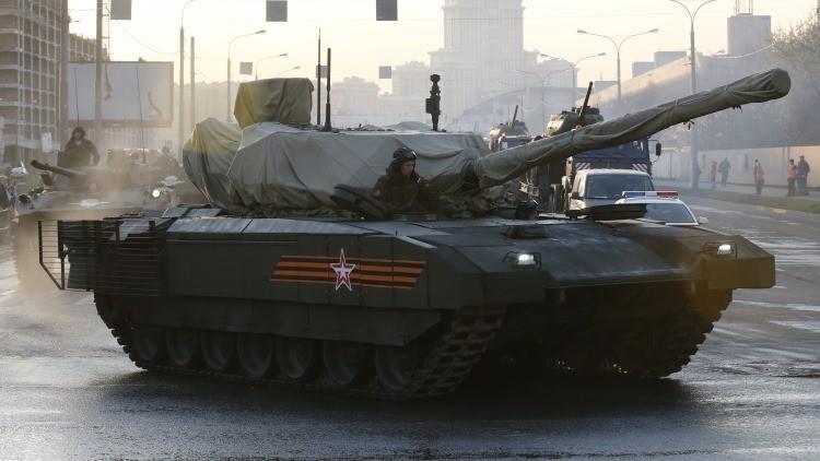 Nuevas unidades de tanques rusos se desplegarían en Crimea
