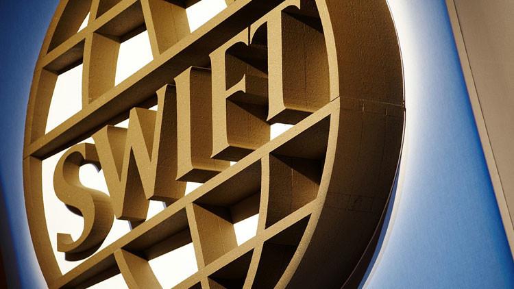 El Parlamento Europeo quiere desangrar a la economía de Rusia excluyéndola del sistema SWIFT