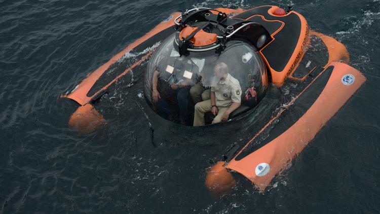 El presidente Putin se sumerge hasta el fondo del mar Negro en un batiscafo (Video)
