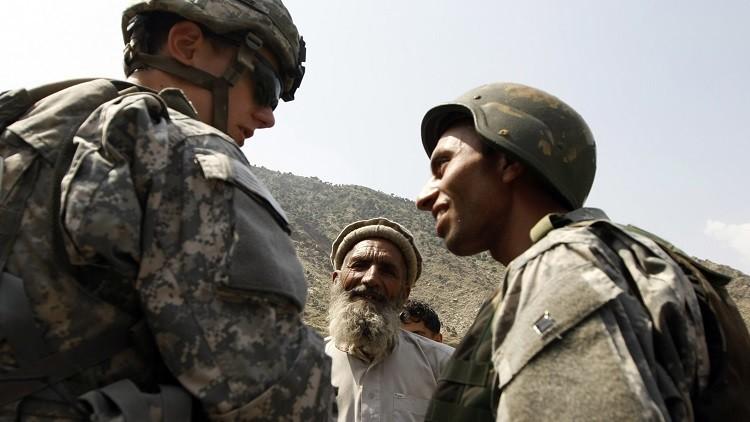 """""""Repugnante"""": intérprete afgano abandonado por los británicos muere intentando huir de los talibanes"""