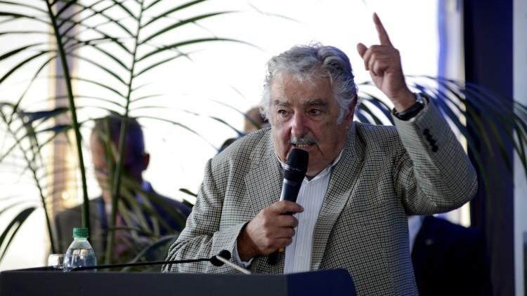 """Mujica: Evitar a los """"paracaidistas"""" en la política, remedio contra la corrupción"""