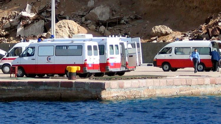Egipto: Naufraga un barco en el mar Rojo con decenas de turistas a bordo