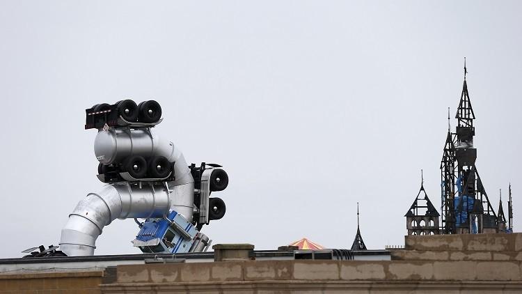 """Video, fotos: 'El Disneyland del desánimo' muestra """"el anarquismo de nivel elemental"""" de Banksy"""