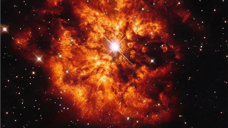 El telescopio Hubble capta la impresionante imagen de la estrella masiva WR 124