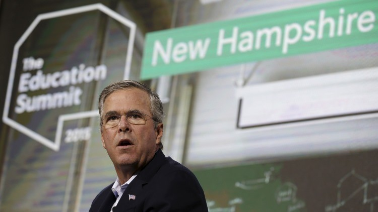 'La mano negra' de Jeb Bush: los cibernautas se burlan del candidato por no saber usar Photoshop