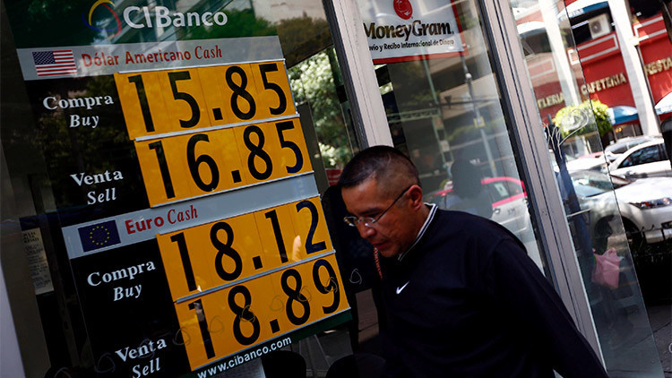 El caos bursátil llega a México: La Bolsa se desploma en un 6,38%