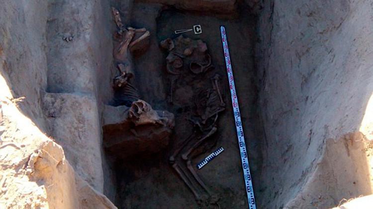 Hallan en Rusia una tumba de un guerrero escita enterrado con su tesoro