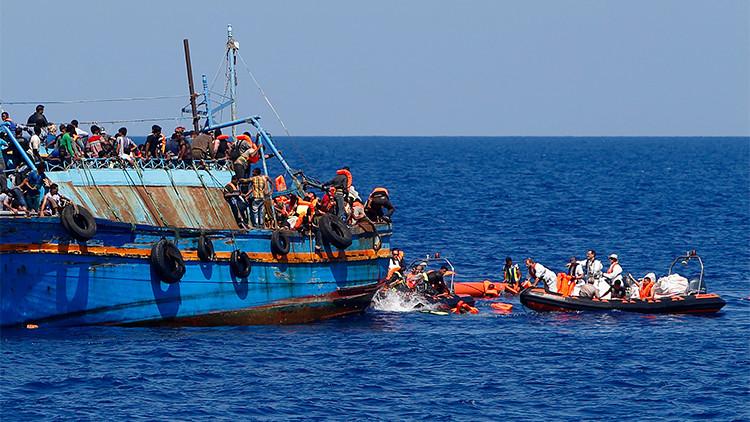Se hunde cerca de Libia un barco con centenares de inmigrantes a bordo