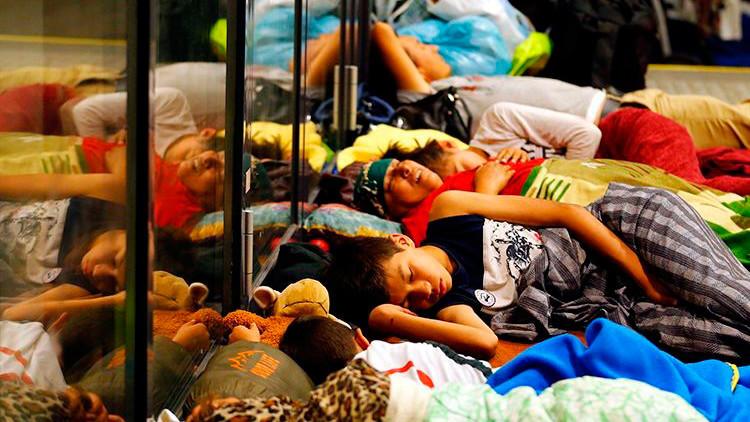 Fotos: Estaciones de tren de Budapest se convierten en campos de refugiados