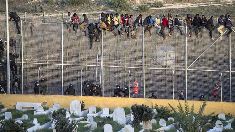 Barcelona propone crear una 'red de ciudades refugio' para los inmigrantes sirios