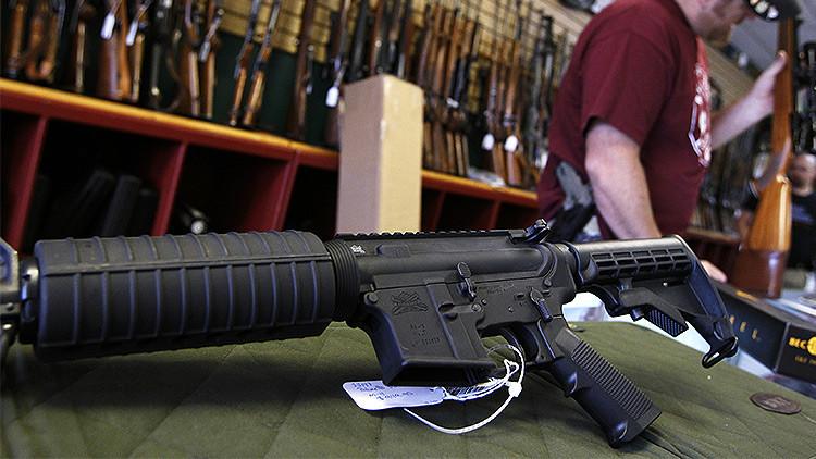Walmart no venderá más rifles de asalto en sus tiendas