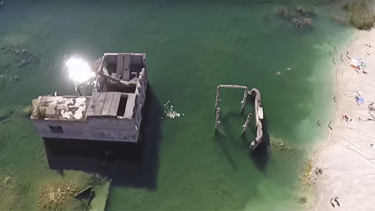 A vista de dron: ¿Cómo una antigua prisión se convirtió en una 'laguna azul' para el buceo?