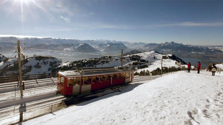 ¿Servicio o discriminación?: Una empresa suiza lanza trenes especialmente para chinos