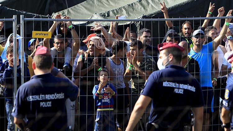 Hungría termina el primer tramo del cercado 'antiinmigrantes' en la frontera con Serbia