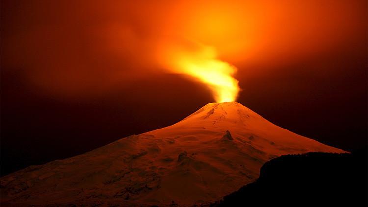 ¿Qué pasaría si se lanzara una bomba nuclear en un volcán?