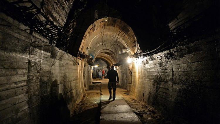 Video: Un equipo de periodistas se pasea por los túneles cercanos al legendario tren nazi