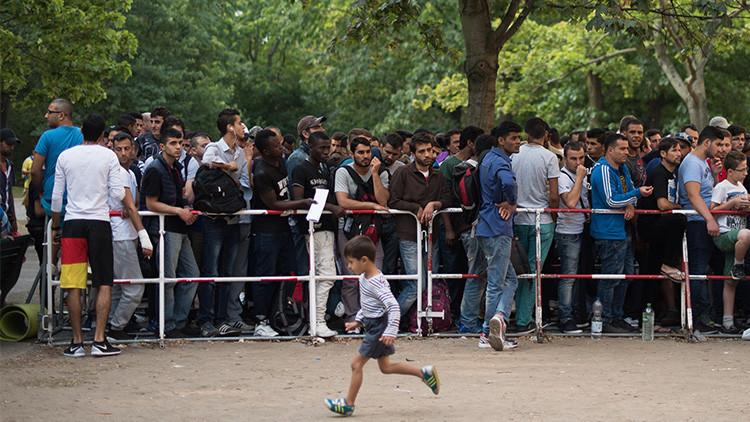 """Schroeder: """"Europa no debe crear una nueva 'cortina de hierro' ante los inmigrantes"""""""