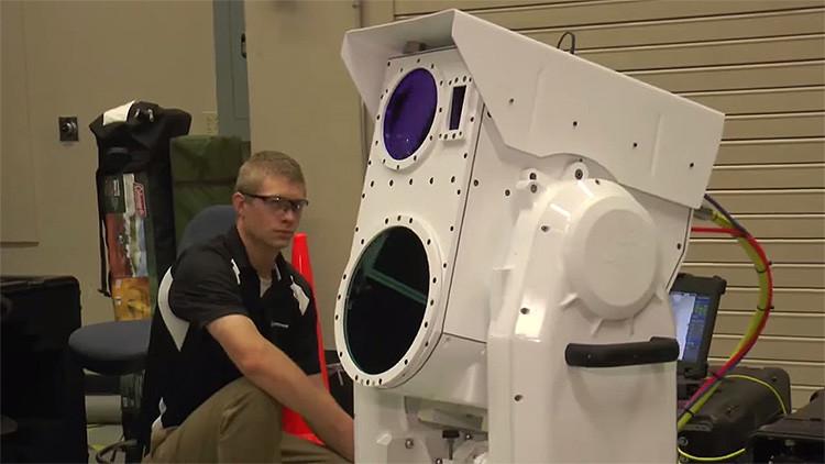 Video: Boeing presenta un potente láser portátil capaz de derribar drones