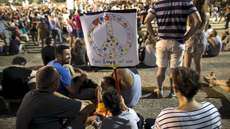 """""""El odio asesina"""": Miles de israelíes se manifiestan contra violencia y fanatismo"""