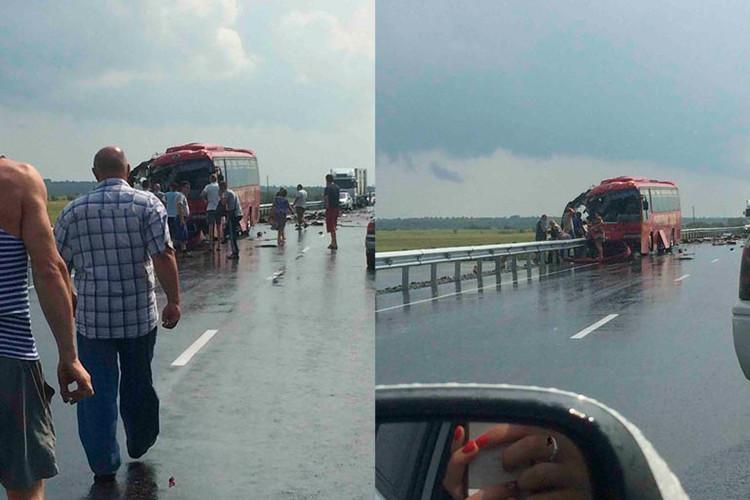 Rusia: Choque de dos buses de pasajeros deja decenas de víctimas