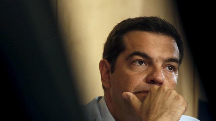 Dimite el primer ministro griego, Alexis Tsipras