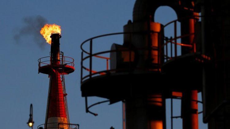 El precio del petróleo Brent cae al nivel más bajo en seis años