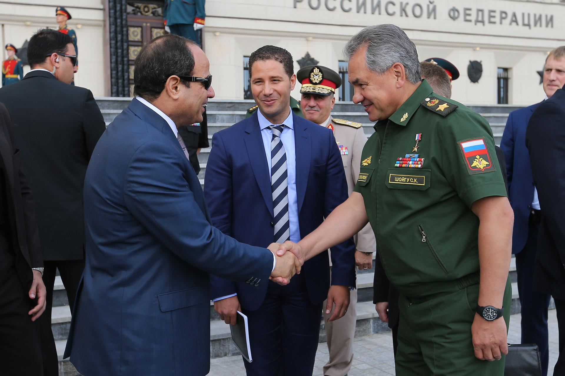 El líder egipcio visita el 'sanctasanctórum' de la Fuerzas Armadas de Rusia