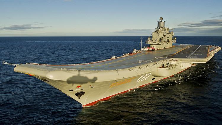 El gran crucero portaaviones ruso Almirante Kuznetsov