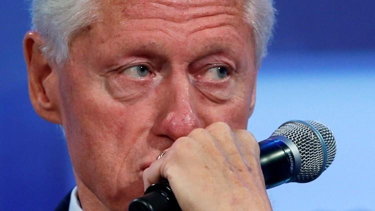 Un espía del MI6 que murió en extrañas circunstancias había hackeado datos de Bill Clinton