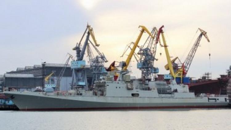 La Armada rusa bota el patrullero lanzamisiles Admiral Makárov