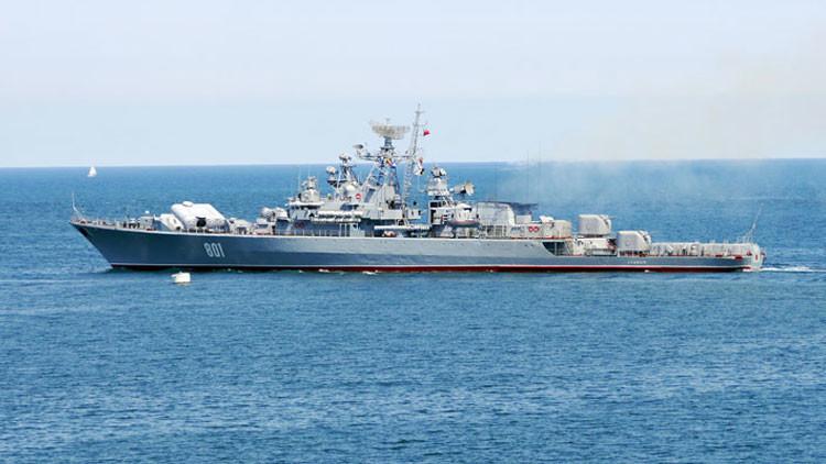 La Armada de EE.UU. respira al fin: un buque de guerra ruso saluda a uno de sus destructores
