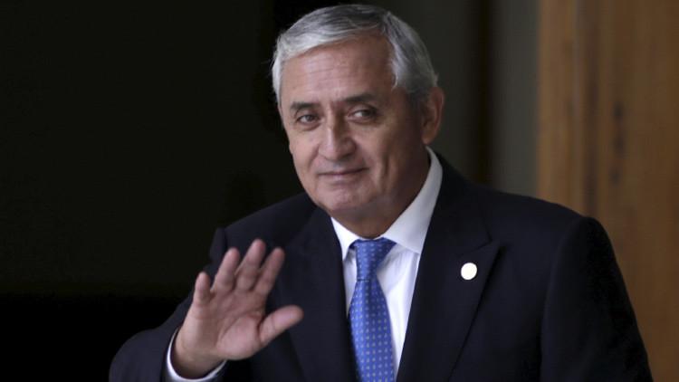 Las tres circunstancias que pudieron impulsar la dimisión del presidente de Guatemala