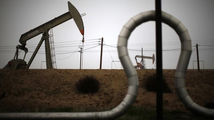 ¿Cómo se beneficia España del desplome de los mercados petroleros?