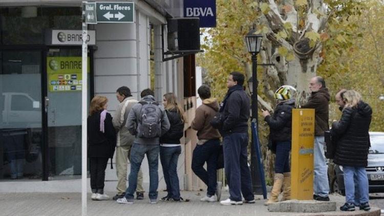 ¿Por qué Uruguay quiere alejarse del dinero en efectivo?