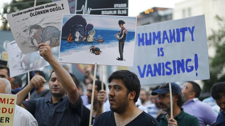 """""""Europa no puede ser solo un mercado"""": Artistas del mundo lloran al niño sirio que naufragó"""