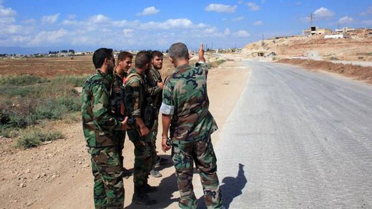 """EI EI amenaza la """"columna vertebral"""" de Siria y arrojar millones de refugiados más a Europa"""