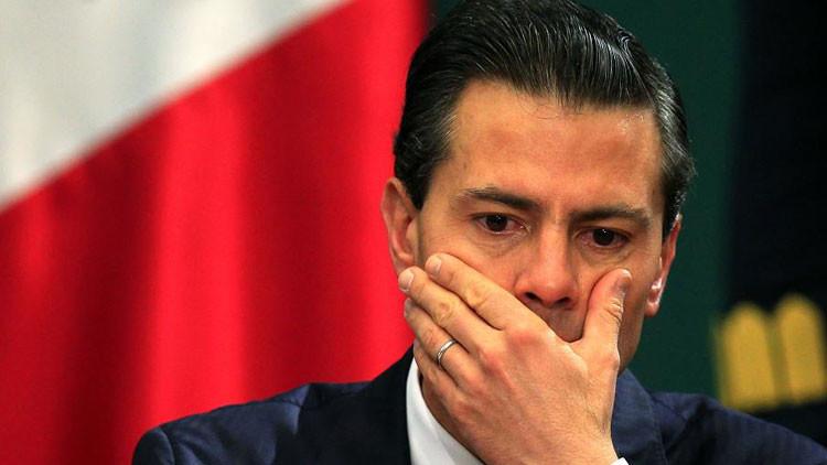 Recogen firmas para una denuncia contra Peña Nieto y su gabinete