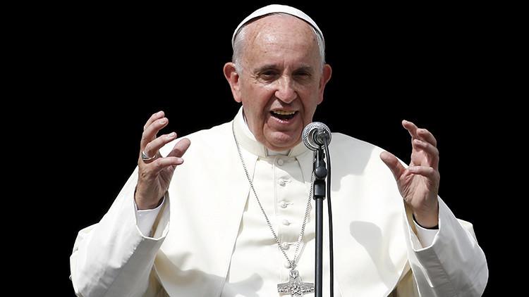 Sigue la revolución en el Vaticano: El papa Francisco simplifica la nulidad de matrimonio