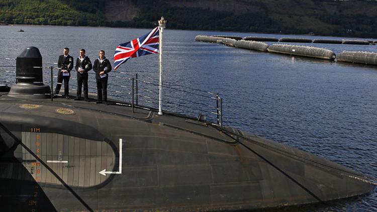 No, no es Rusia: la Marina Real británica ataca a sus propios barcos