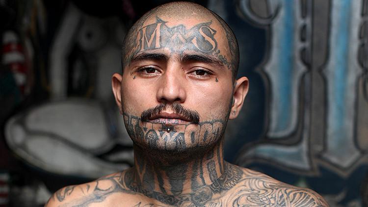 Fotos desde la prisión más temida de El Salvador, donde incluso los guardias no se atreven a entrar