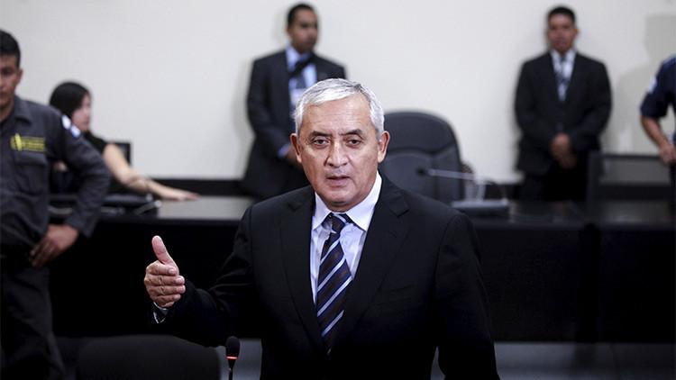 """Pérez Molina habría recibido en 1993 un soborno millonario de 'El Chapo' y luego lo """"traicionó"""""""