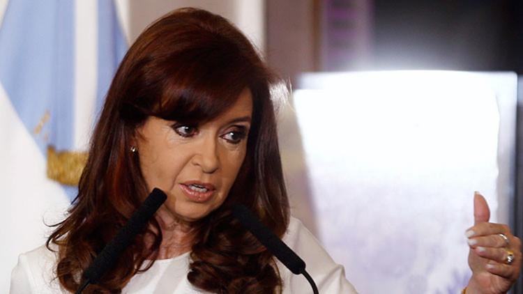 """Kirchner: """"No quiero parecerme a países que dejan morir chicos en las playas"""""""