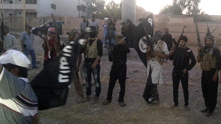 """Ministro español no ve """"descabellado"""" que el EI quiera introducir yihadistas entre los refugiados"""