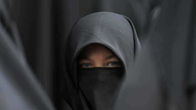 Cautiva del mal: Una esclava del líder del Estado Islámico se fuga y cuenta sus atrocidades